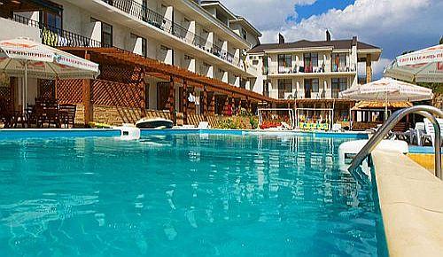 Отель Атлантик – все включено с бассейном в Феодосии, Крым